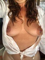 Hump day! Do u like my shirt?
